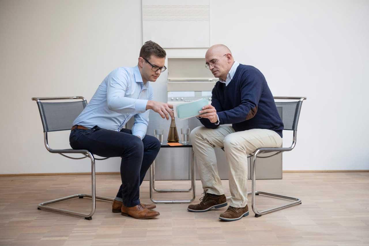 Nachwuchsführungskraft im Coaching mit Karriere Coach Dirk Hamm